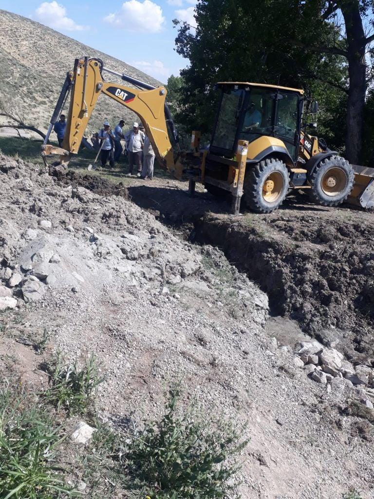 Yağmurbey Mahallemizde mahalle çeşmesi yapım onarım ve hat yenileme işlemleri yapılıyor